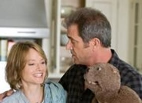 the beaver trailer mel gibson talks to the hand puppet