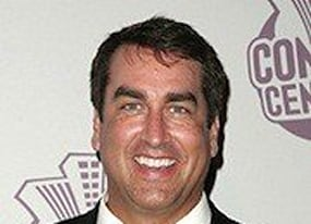 rob riggle closing in on 21 jump street deal