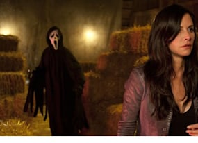 courteney cox dishes on scream 4 twitter and whether anything scares her