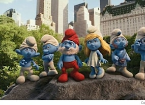 new smurf tastic the smurfs trailer neil patrick harris goes blue