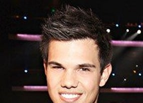 taylor lautner dropped by publicist over daddy issues