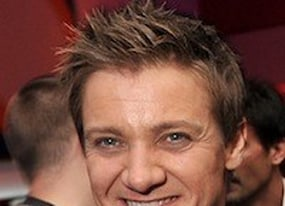 hansel and amp gretel witch hunters release date moved because of jeremy renner