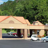 Chestnut Tree Inn Cherokee - Cherokee, North Carolina -
