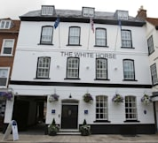 Silks Hotels - The White Horse - Romsey, United Kingdom -