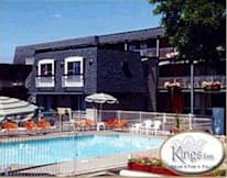 Kings Inn Near the Falls - Niagara Falls ONT, Canada -