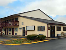 Days Inn - Athens, Ohio -