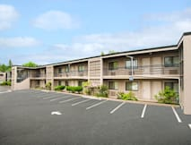 Travelodge Lions Gate - North Vancouver, Canada -