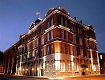 Days Hotel Ellis Square Historic Savanah - Savannah, Georgia -
