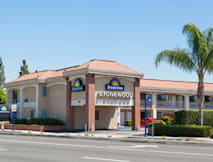 Days Inn Stonewood Lodge - Downey, California -