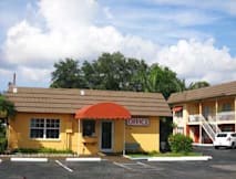 Knights Inn - Sarasota, Florida -