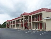 Knights Inn Byron - Byron, Georgia -