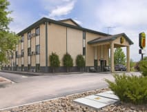 Super 8 Motel - Colorado Springs, Colorado -