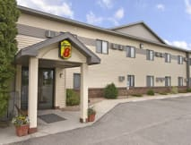 Super 8 Motel - Wahpeton, North Dakota -