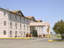Super 8 Henderson - Henderson, Colorado -