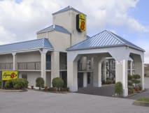 Super 8 Motel - Bulls Gap, Tennessee -