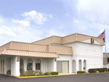 Super 8 Motel - Morton Grove, Illinois -
