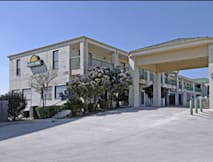 Days Inn & Suites - San Antonio, Texas -