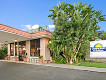 Days Inn & Suites - Anaheim, California -