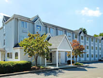 Motel 6 Charlotte University - Charlotte, North Carolina -