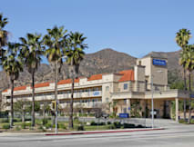Travelodge Sylmar Country Side Inn - Sylmar, California -