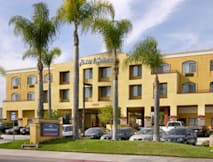 Howard Johnson Express Inn & Suites - Huntington Beach, California -