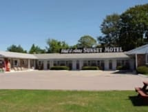 Phil and Ann's Sunset Motel - Charlestown, Rhode Island -