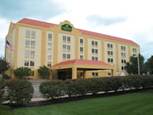 La Quinta Inn & Suites North Olmsted - North Olmsted, Ohio -