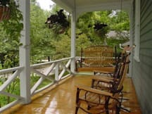 Louisa's Porch Homestay Bed & Breakfast - Asheville, North Carolina -