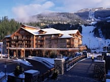 Hotel Legends - Whistler, Canada - Legends Winter Exterior