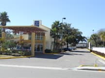 Americas Best Inn & Suites - Clearwater, Florida -