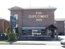 The Diplomat Inn - Niagara Falls ONT, Canada - 