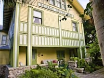 Miami River Inn - Miami, Florida -