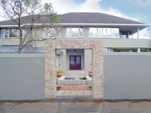Lorraines On Lincoln Guest House - Bellville, South Africa - Exterior