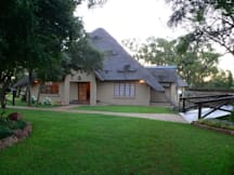 Akwaaba Lodge & Predator Park - Rustenburg, South Africa -