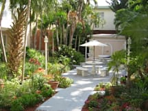 Sadigo Court Hotel & Suites - Miami Beach, Florida -