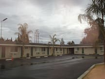 Kings Inn Motel - Kingsburg, California -