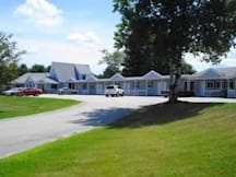 Pleasant Mountain Inn - Bridgton, Maine -
