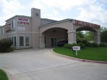 Delux Inn Express and Suites - Dallas, Texas -
