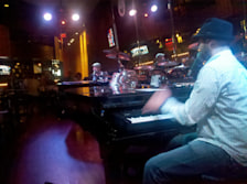Ernie Biggs Rock N Roll Dueling Piano Bar & Grill