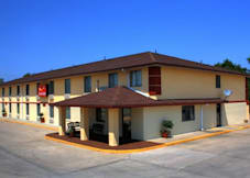 Econo Lodge - Lansing, Kansas -