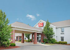 Econo Lodge Inn & Suites - Bad Axe, Michigan -