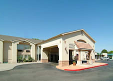 Quality Inn & Suites - Albuquerque, New Mexico -