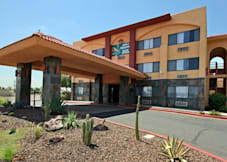 Quality Inn & Suites - Phoenix, Arizona -