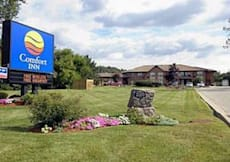 Comfort Inn - Cambridge, Canada - Newly Renovated!