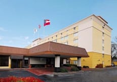 Comfort Inn and Suites Atlanta Airport N - College Park, Georgia - Welcome Evtry