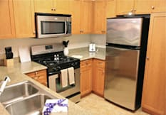 ExecuStay City View Lofts - Studio City, California - Kitchen