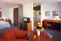 Hotel Hoppegarten Berlin - Hoppegarten, Germany - 