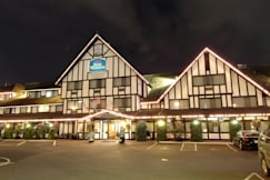 Best Western Plus Abercorn Inn - Richmond, Canada - Exterior at Night