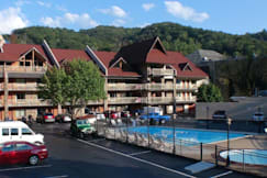 Best Western Crossroads - Gatlinburg, Tennessee - The BEST WESTERN Crossroads Inn