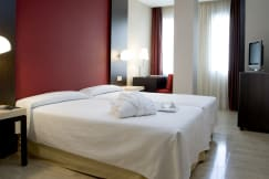 NH Hotel Belagua - Barcelona, Spain - GUEST ROOM
